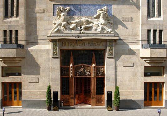 Prague budapest twin centre holiday save up to 60 on for Designhotel elephant prague 1 czech republic