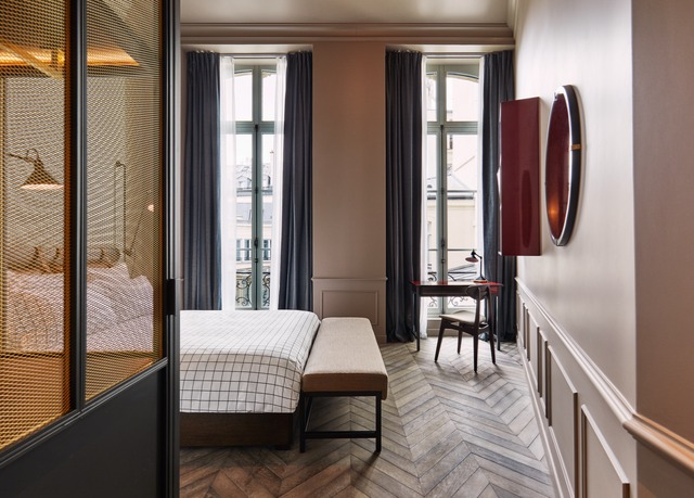 the hoxton paris save up to 60 on luxury travel. Black Bedroom Furniture Sets. Home Design Ideas