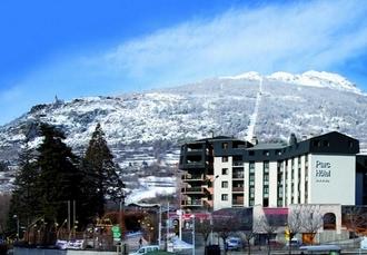 Soleil Vacances Parc Hôtel Résidence, Serre Chevalier, French Alps - save 51%