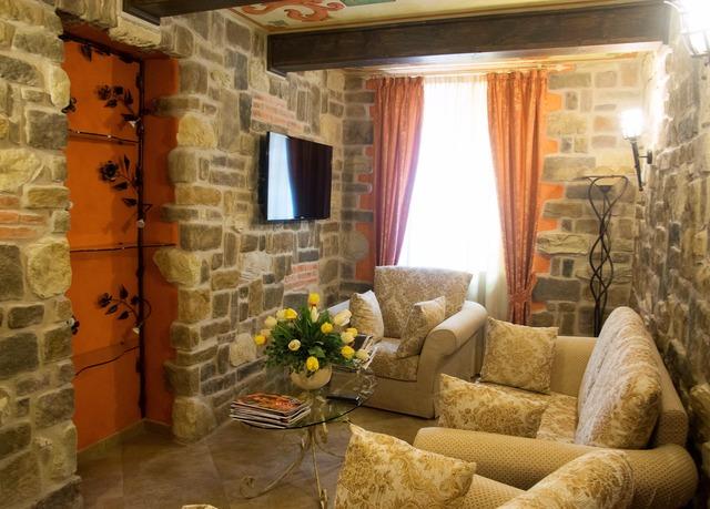 Burghotel in den h geln von piemonte sparen sie bis zu for Design hotels norditalien