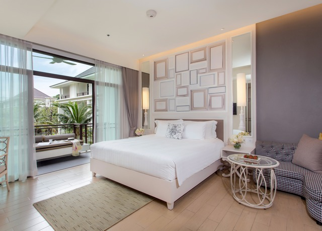 Five Star Bangkok Hotel With A Glittering Pool Save Up To 70 On