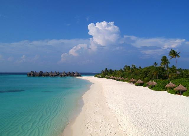 Soggiorno in un paradiso a 4* alle Maldive   Risparmia fino al 70 ...