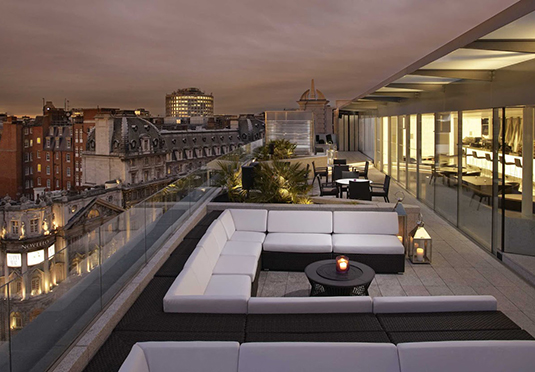 Me london hotel save up to 60 on luxury travel secret for Posh hotels near me