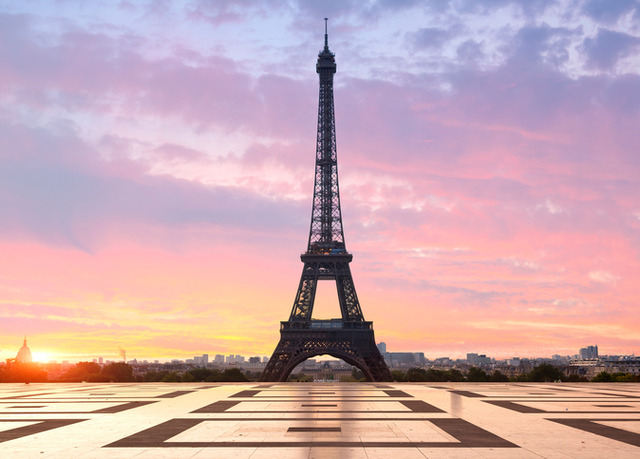 le tourville eiffel save up to 60 on luxury travel telegraph travel hand picked. Black Bedroom Furniture Sets. Home Design Ideas