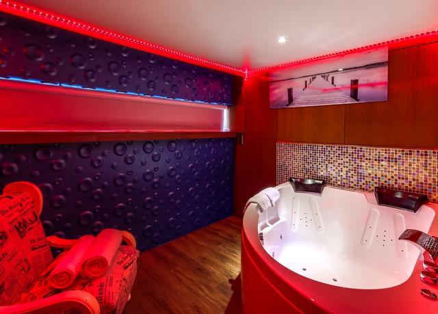 Magisches Paris Yachthotel An Der Seine Sparen Sie Bis Zu 70 Auf
