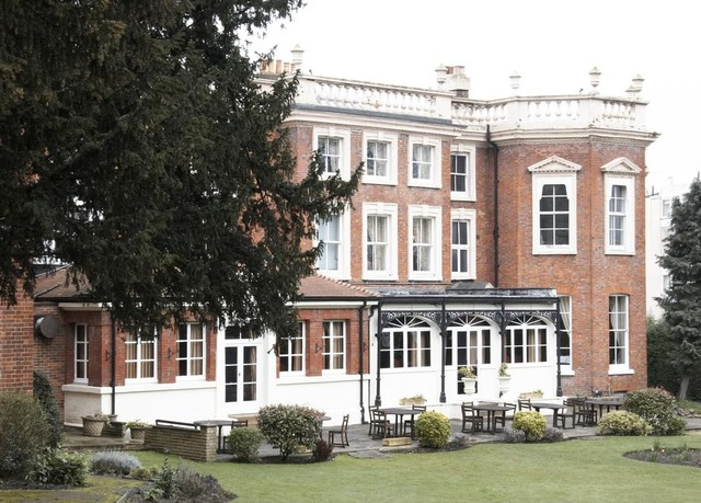 Hendon hall hotel save up to 60 on luxury travel for Late room secret hotels