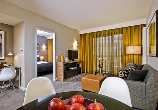 adina apartment hotel sparen sie bis zu 70 auf luxusreisen secret escapes. Black Bedroom Furniture Sets. Home Design Ideas