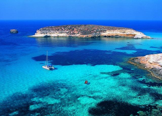 Una settimana a Lampedusa con noleggio scooter o auto   Risparmia ...