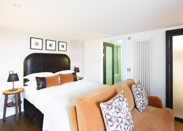 the edinburgh grand save up to 60 on luxury travel. Black Bedroom Furniture Sets. Home Design Ideas