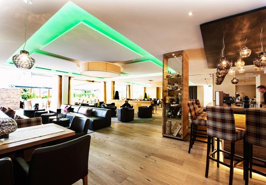 Alpinahotel das lifestylehotel im zillertal sparen sie for Design hotel zillertal