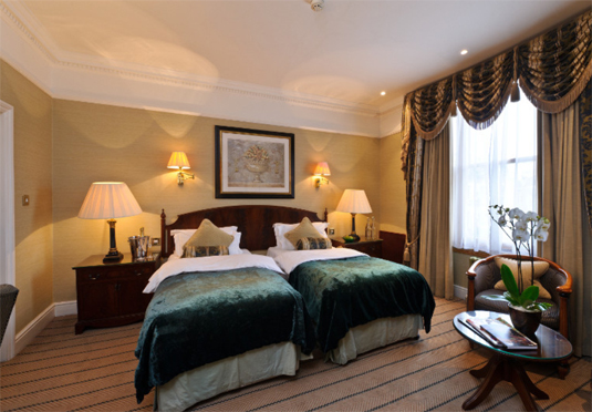The colonnade at little venice save up to 60 on luxury for Boutique hotels near central park