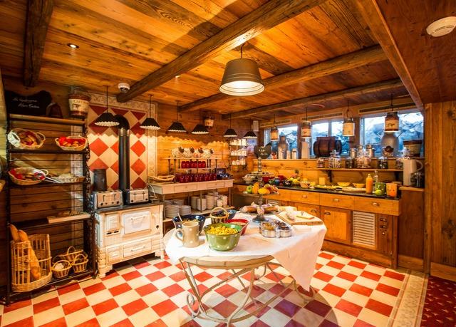 h tel alpen ruitor 4 economisez jusqu 39 70 sur des voyages de luxe travelbird. Black Bedroom Furniture Sets. Home Design Ideas