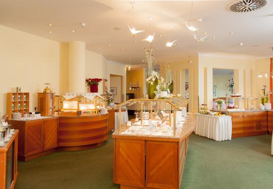 grand hotel binz sparen sie bis zu 70 auf luxusreisen. Black Bedroom Furniture Sets. Home Design Ideas