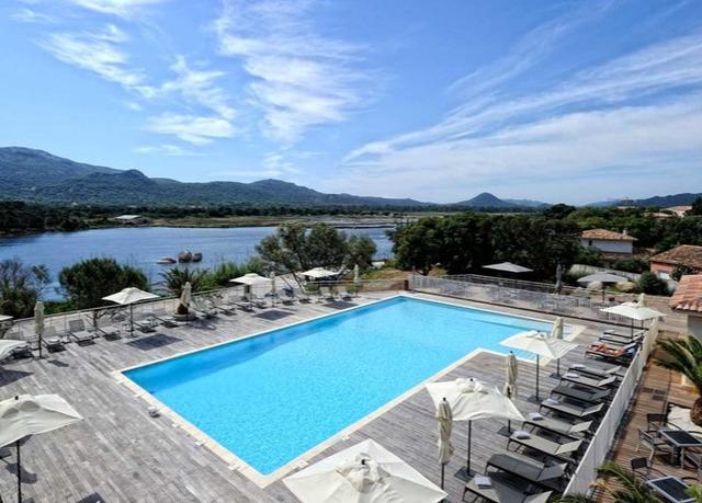 Jamais vu sur notre site : Hôtel Costa Salina 3*