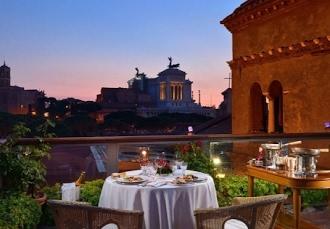 Upplev Rom från ett hotell med takterrass e0a0b6776fc4d