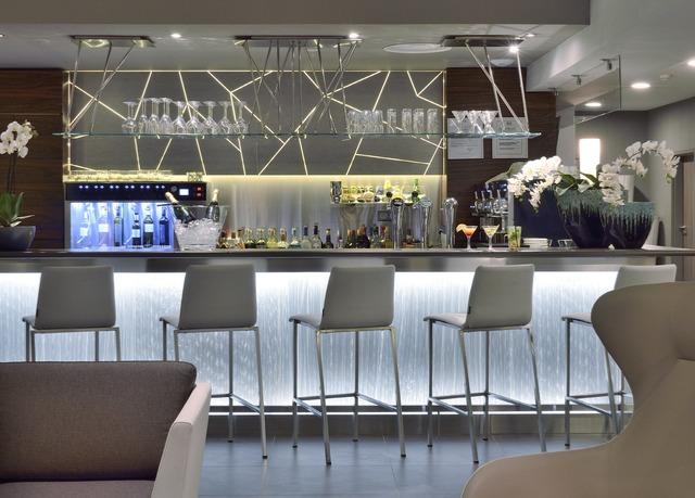 Jamais vu sur notre site : AC Hotel by Marriott Marseille Prado Vél...