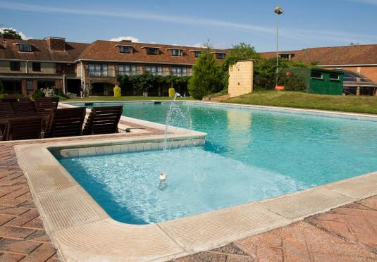 Springfield country hotel save up to 60 on luxury - Uk hotels with outdoor swimming pools ...
